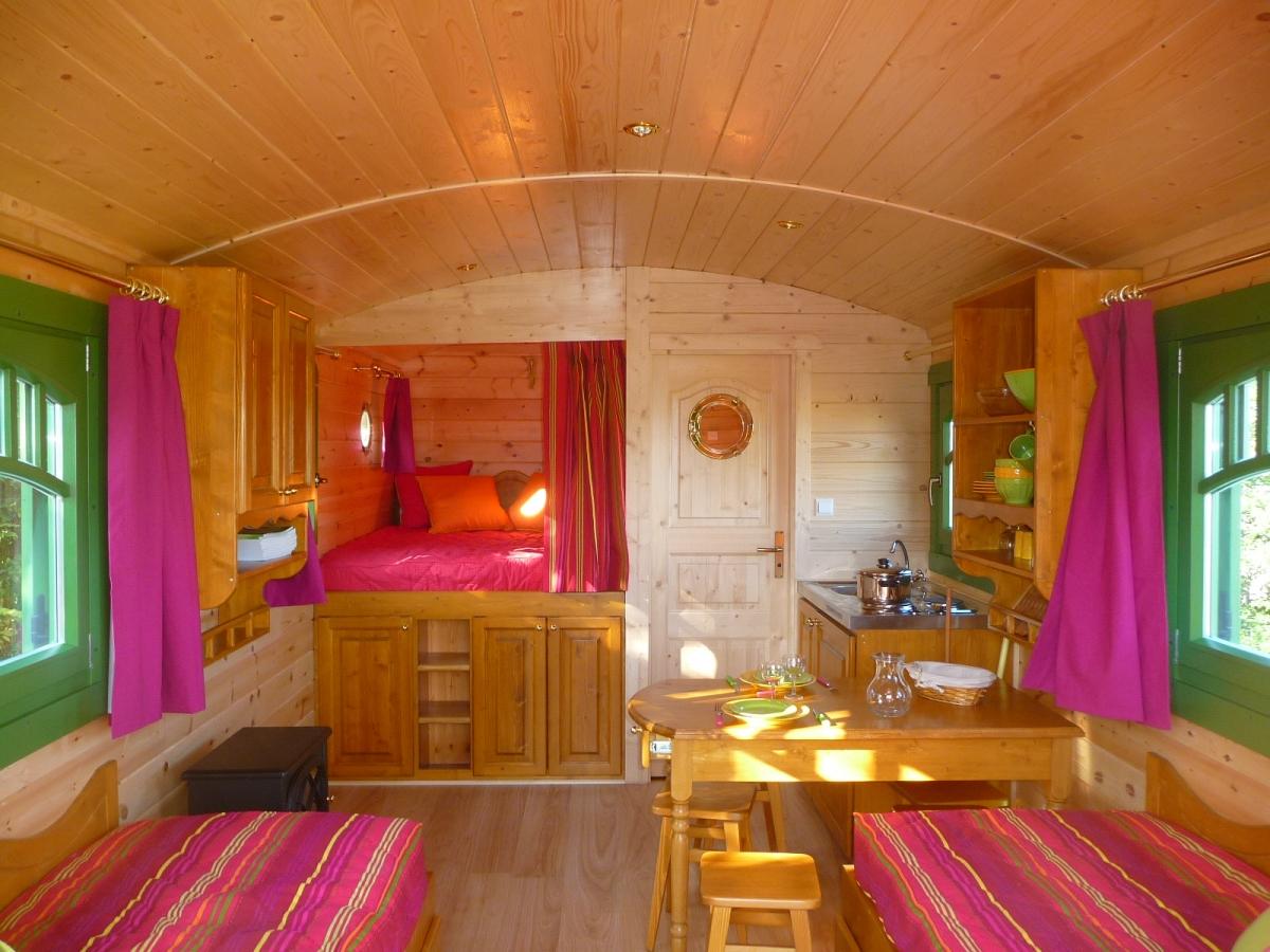 roulotte capucine cabanes co. Black Bedroom Furniture Sets. Home Design Ideas